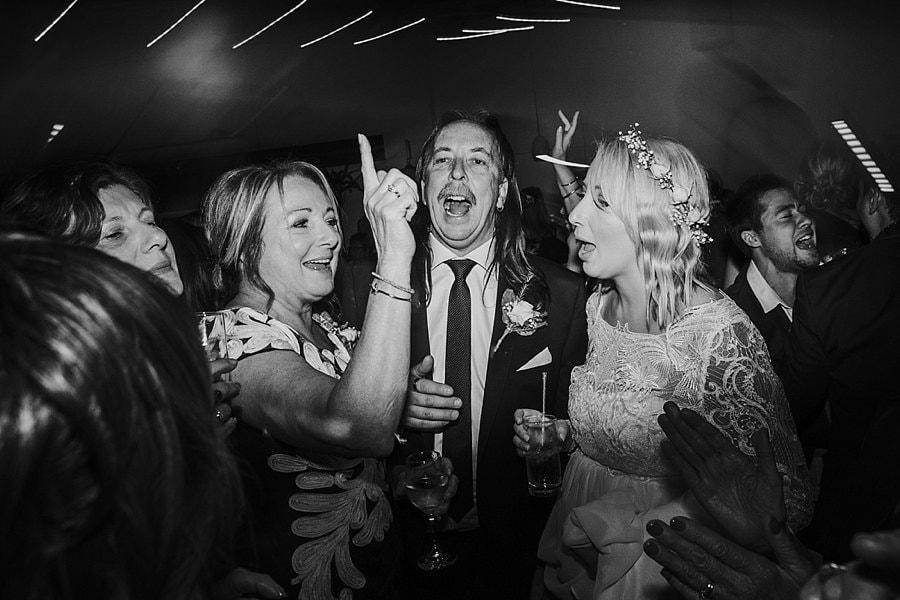 budgie-smuggler-ringwood-wedding-photos_0111
